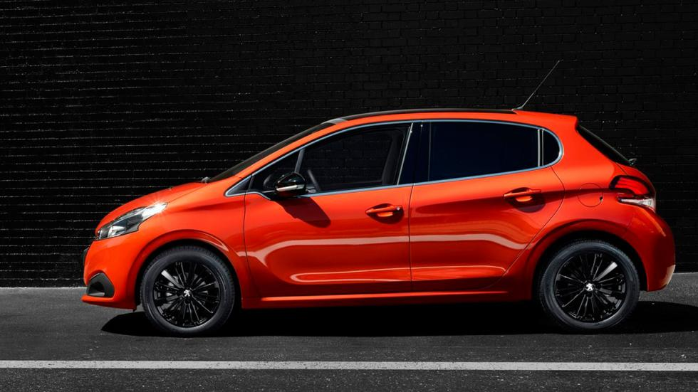 peugeot 208 lateral
