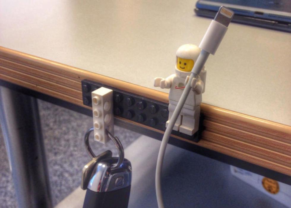 Sujetacables Lego