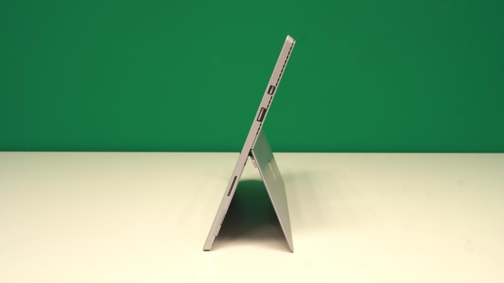 Microsoft Surface Pro 4 lateral izquierdo