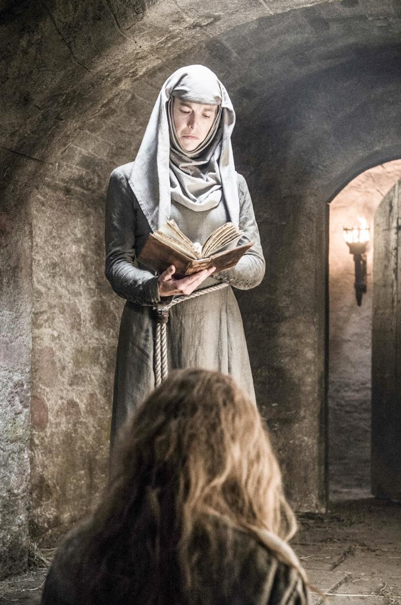 Cersei encarcelada por el Septon Supremo en Juego de Tronos