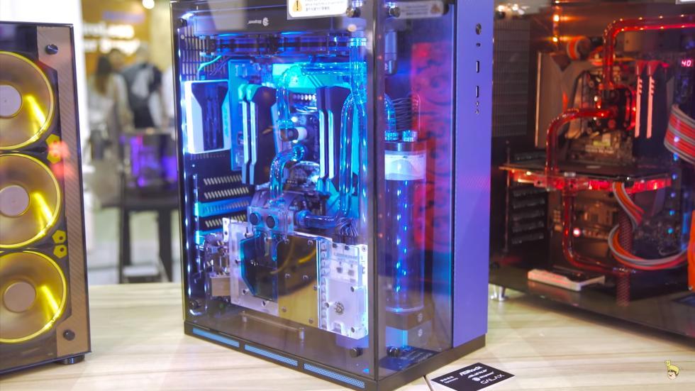 Lianli PC-10 ATX con dos compartimentos independientes y cristal templado