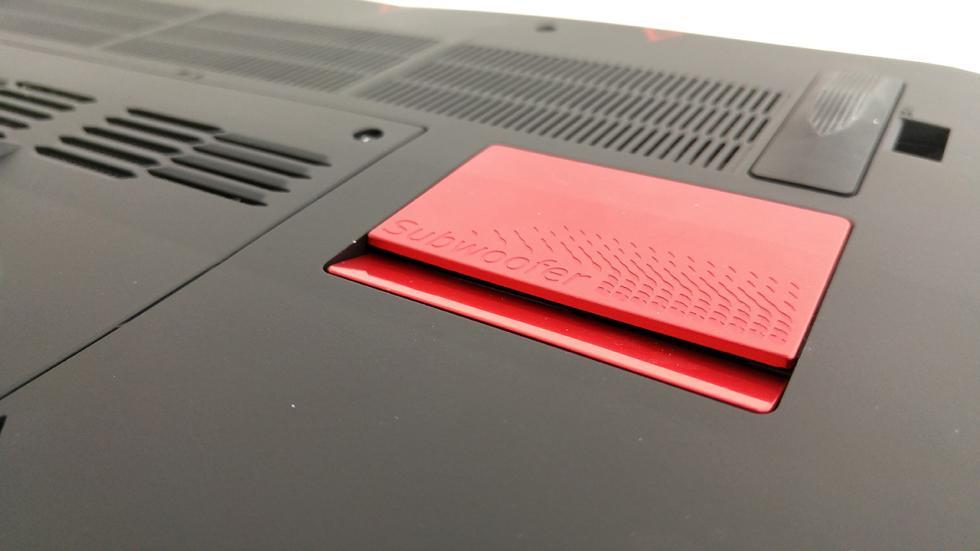 Acer Predator 15, imagen del subwoofer