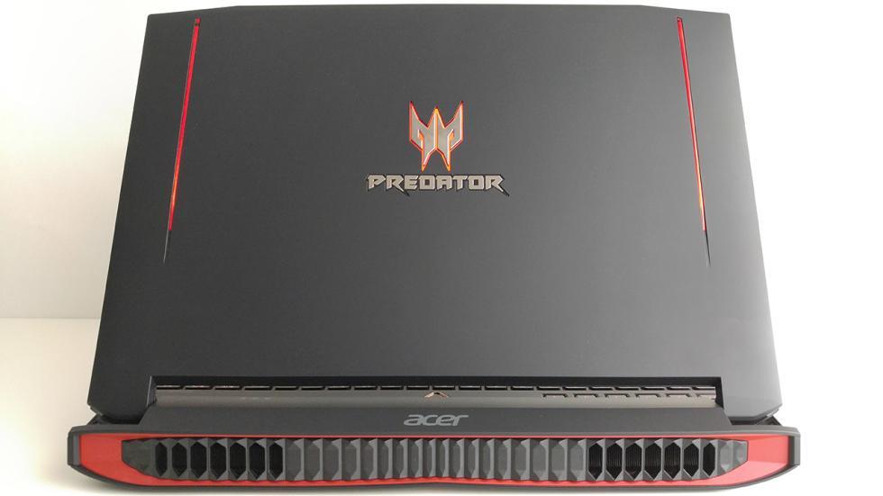 Acer Predator 15, tapa de la pantalla