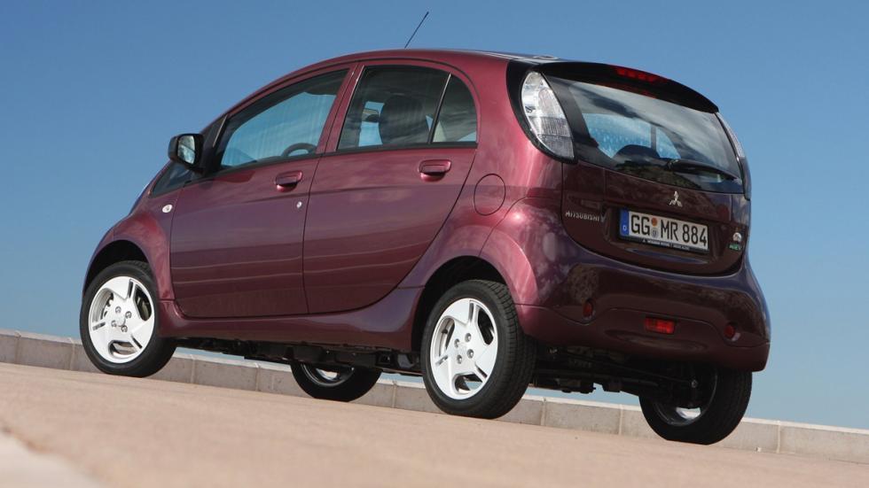 coches-antimultas-Mitsubishi-i-miev-zaga