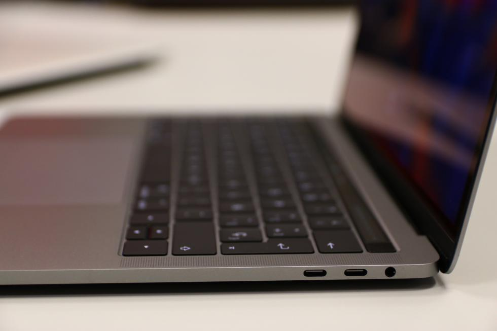 Test MacBook Pro 13 de 2016 con Touch Bar