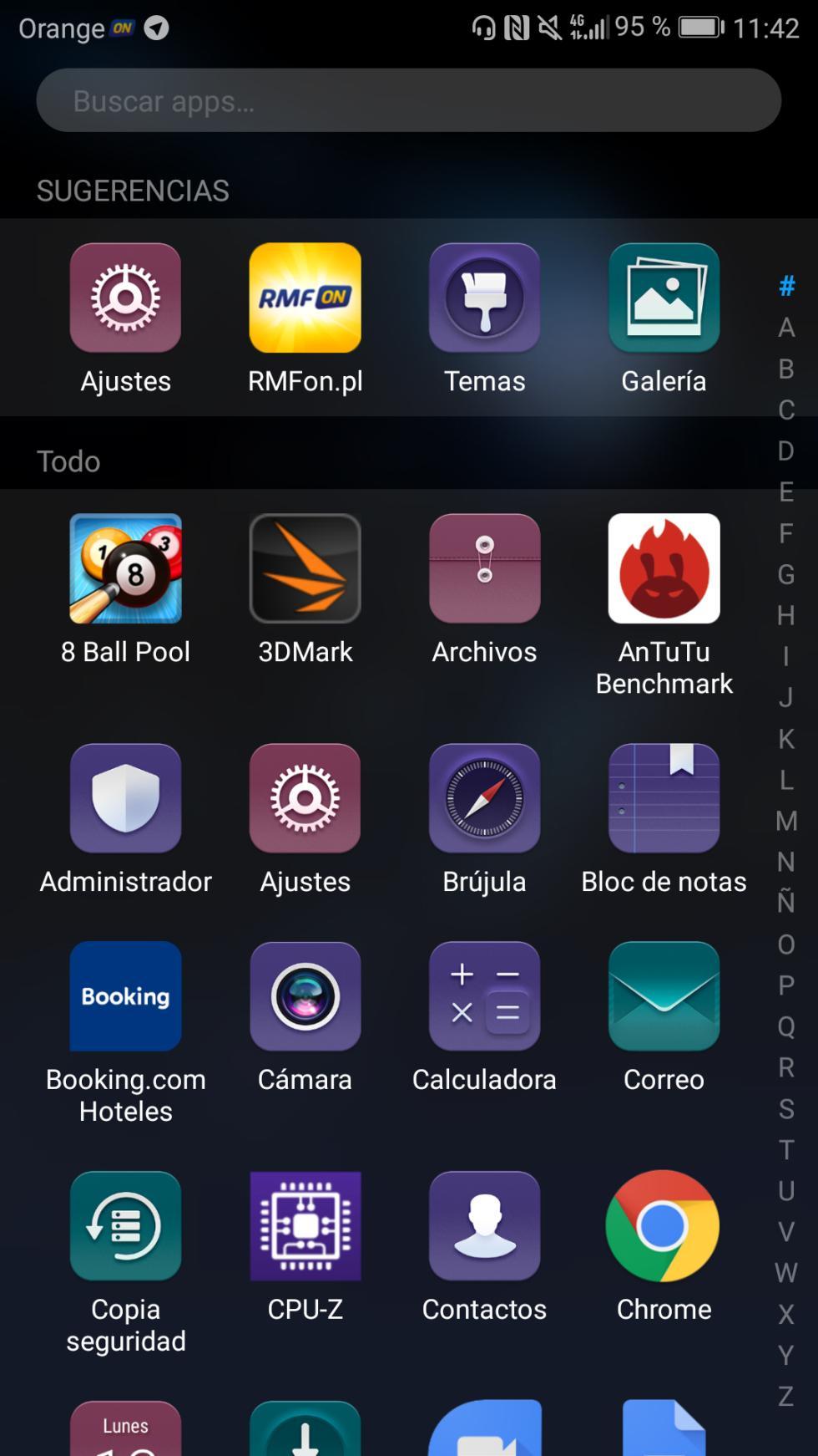 Si decidimos dejar activado el cajón de aplicaciones (que es opcional), así veremos los accesos directos de nuestras apps