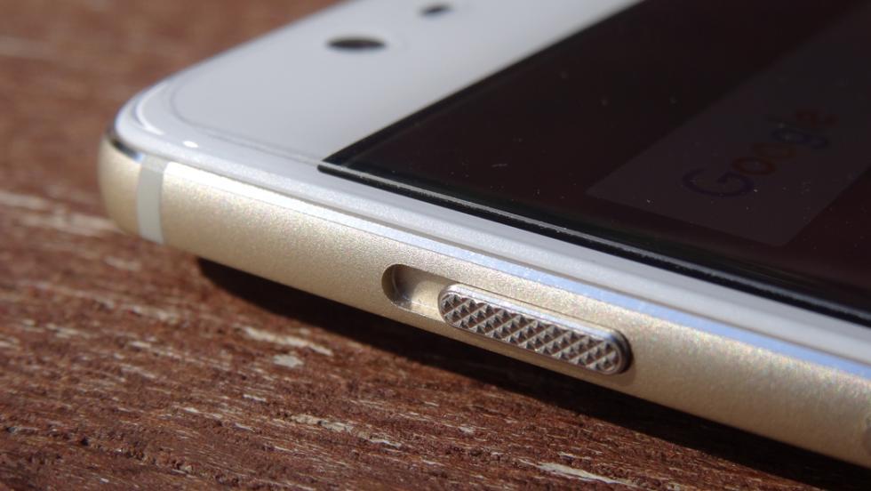 El botón de silencio permite desactivar el sonido en el móvil con un clic, y tiene tres posiciones diferentes