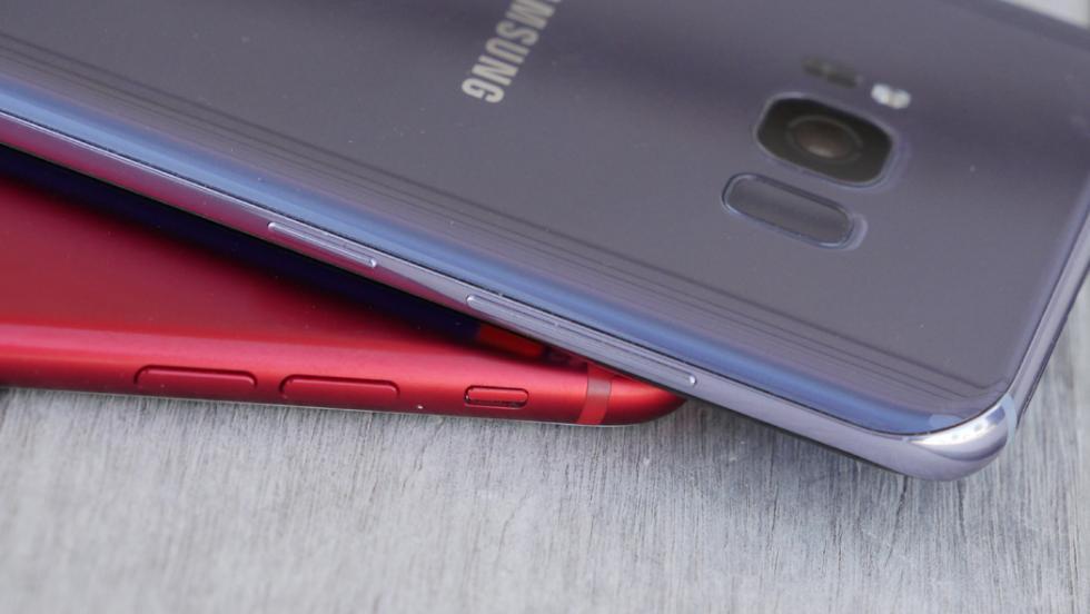 Detalle del lateral izquierdo de ambos móviles