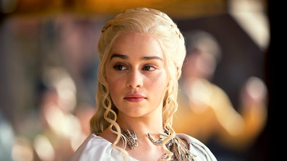 Los Targaryen son rubios y tienen los ojos de color violeta. Hemos visto la primera característica, pero no la segunda.