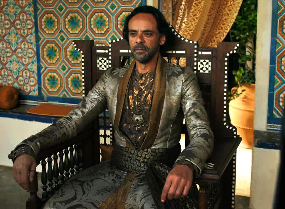 Los Martell aún tienen algo que decir en la saga literaria. Doran Martell ha encontrado a un auténtico Targaryen vivo, y no es Daenerys sino un varón. Planea casar a una de sus hijas con él.