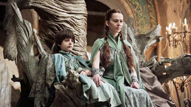 El heredero de los Arryn es el resultado de una serie de abortos intencionados o accidentales. Uno de ellos es de un hijo no nato entre Lysa Tully y Meñique cuando ésta era soltera.