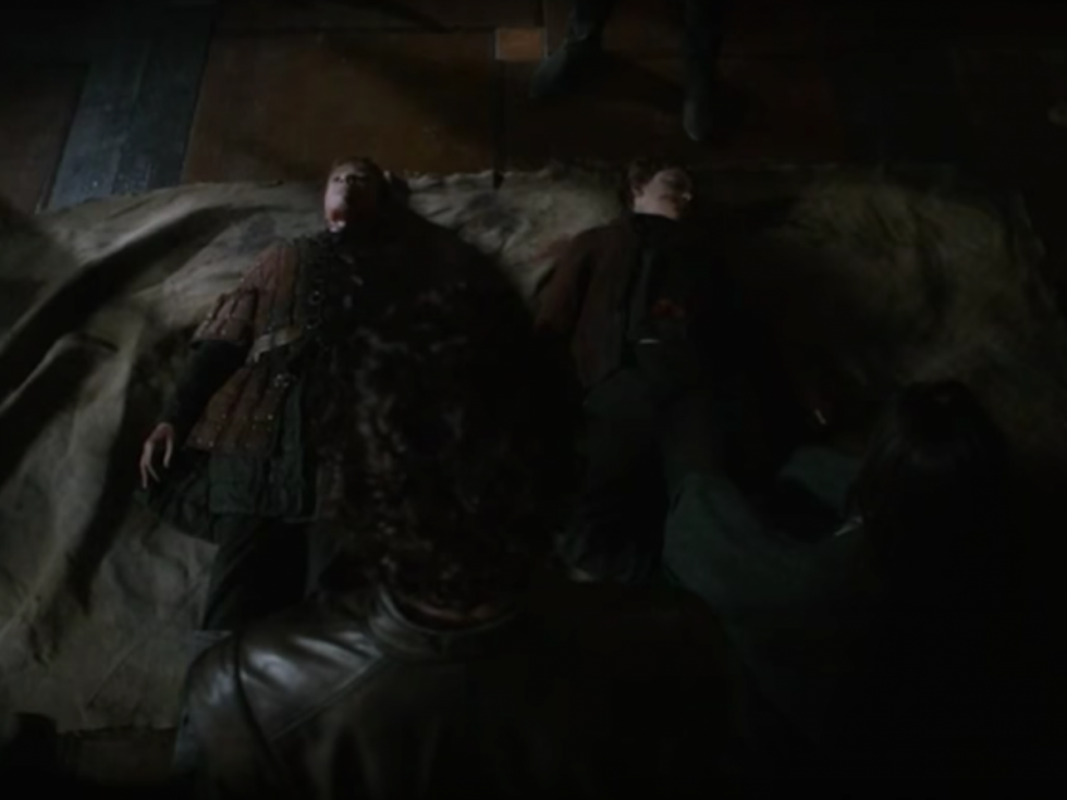 En la serie todos los Lannister -excepto los de Desembarco del Rey- están muertos. En los libros aún queda vivo uno de los sobrinos de Twyn.
