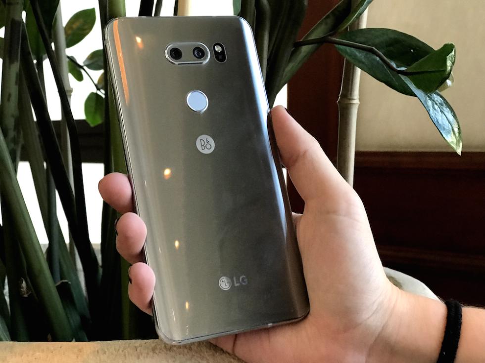 LG V30 toma contacto primeras impresiones