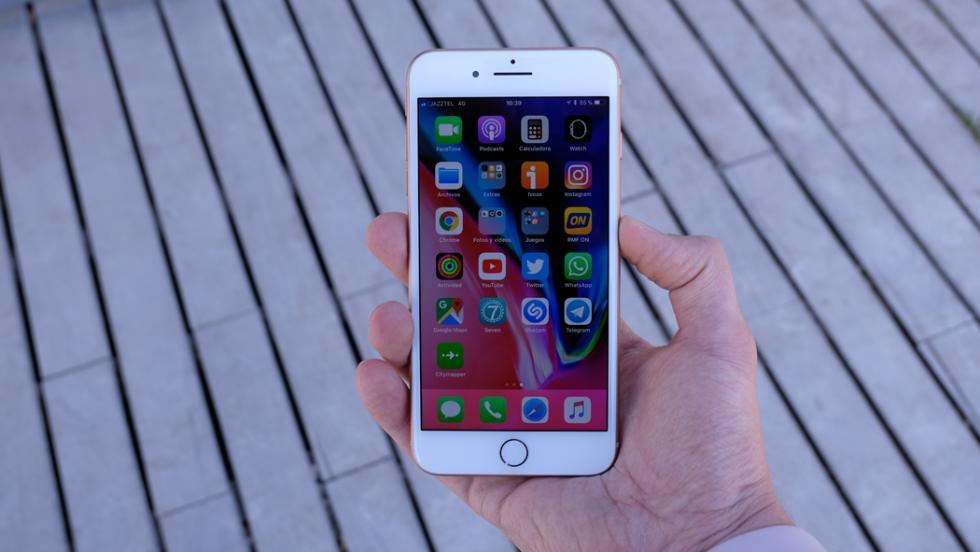 Y así queda el iPhone 8 Plus en la mano
