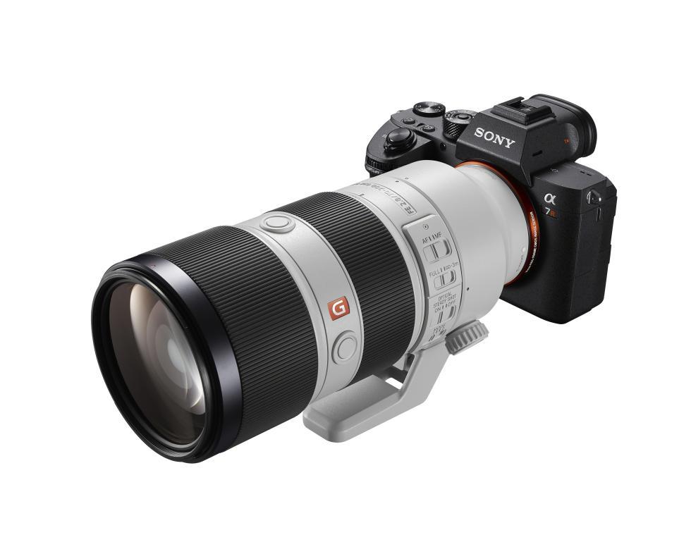 Diseño de la Sony a7R III, la cámara más avanzada de Sony